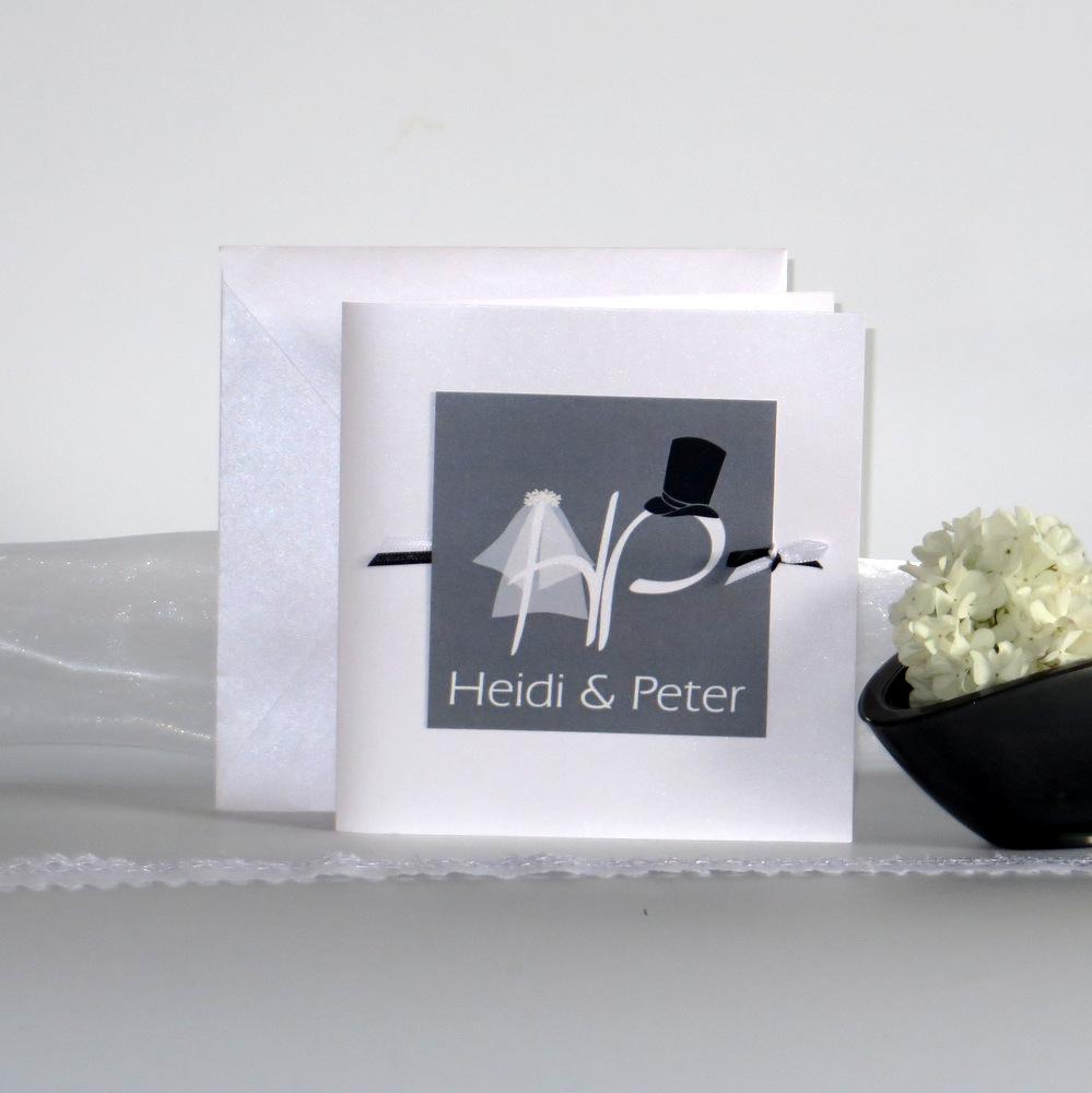 Trendige Einladungskarte zur Hochzeit in grau aus unserer Kollektion Brautpaar..