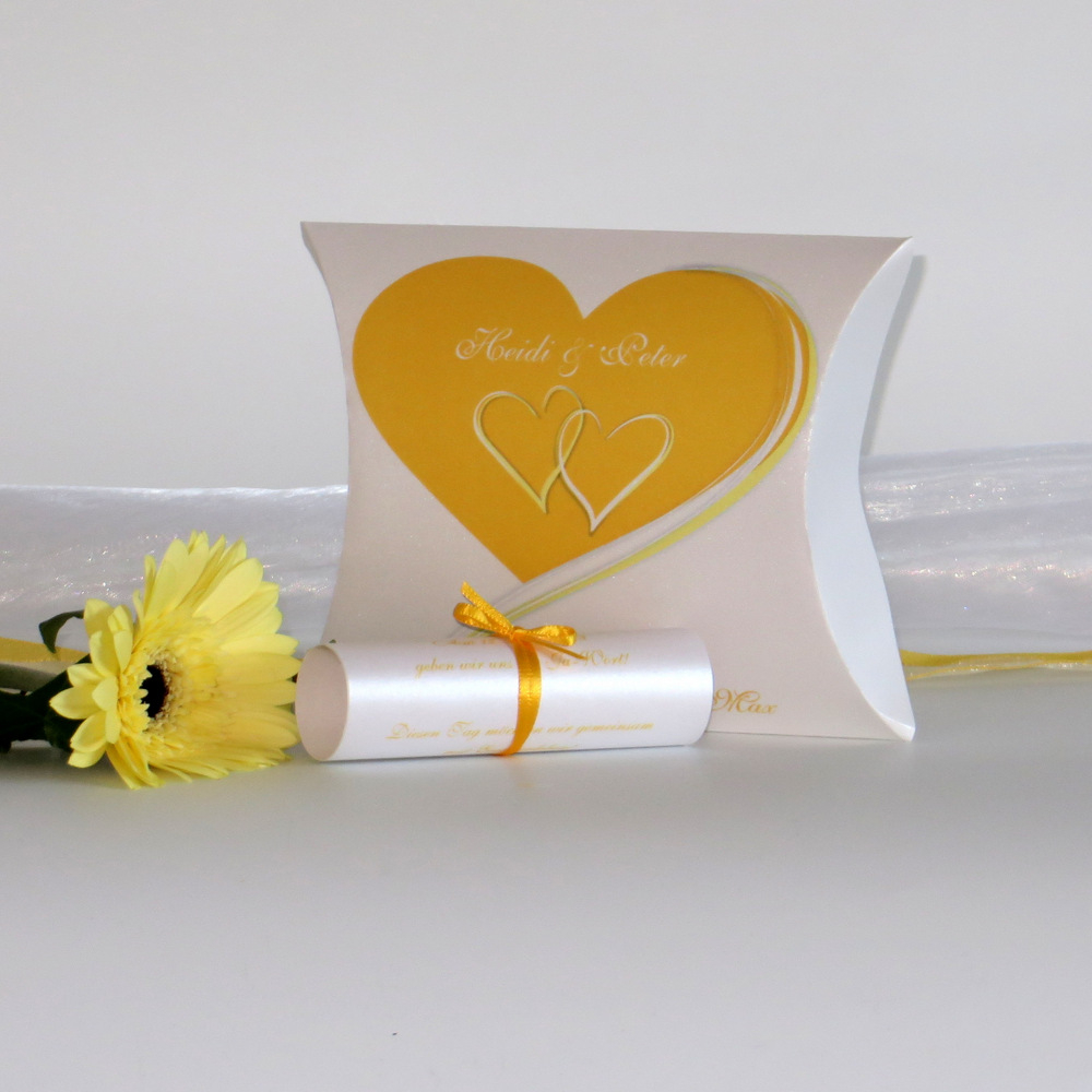 """Hochzeitseinladungsbox """"Herzpaar"""" gelb"""