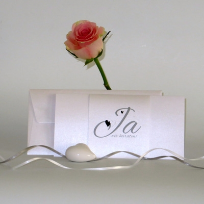 """Edle Hochzeitseinladung """"Herzle"""" in schwarz und weiß"""
