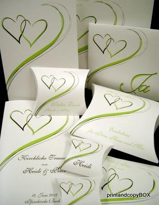Unsere grüne Hochzeitseinladung aus der Serie Harmonie.