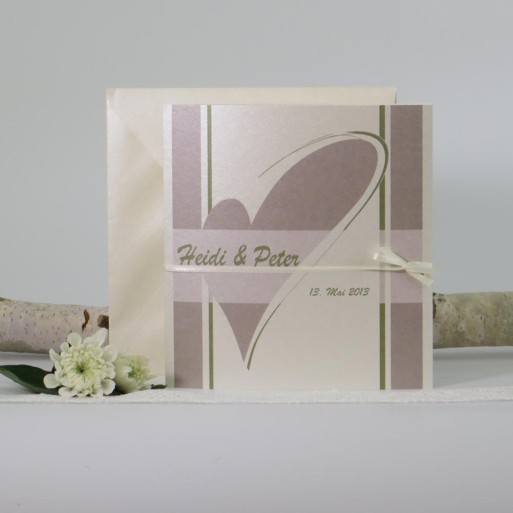 """Hochzeitseinladung """"Geschwungenes Herz"""" creme & grün"""