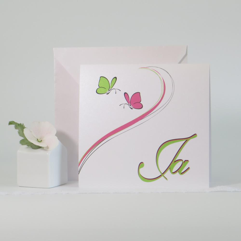 Hochzeitseinladung mit 2 Schmetterlingen in frischem pink und grün