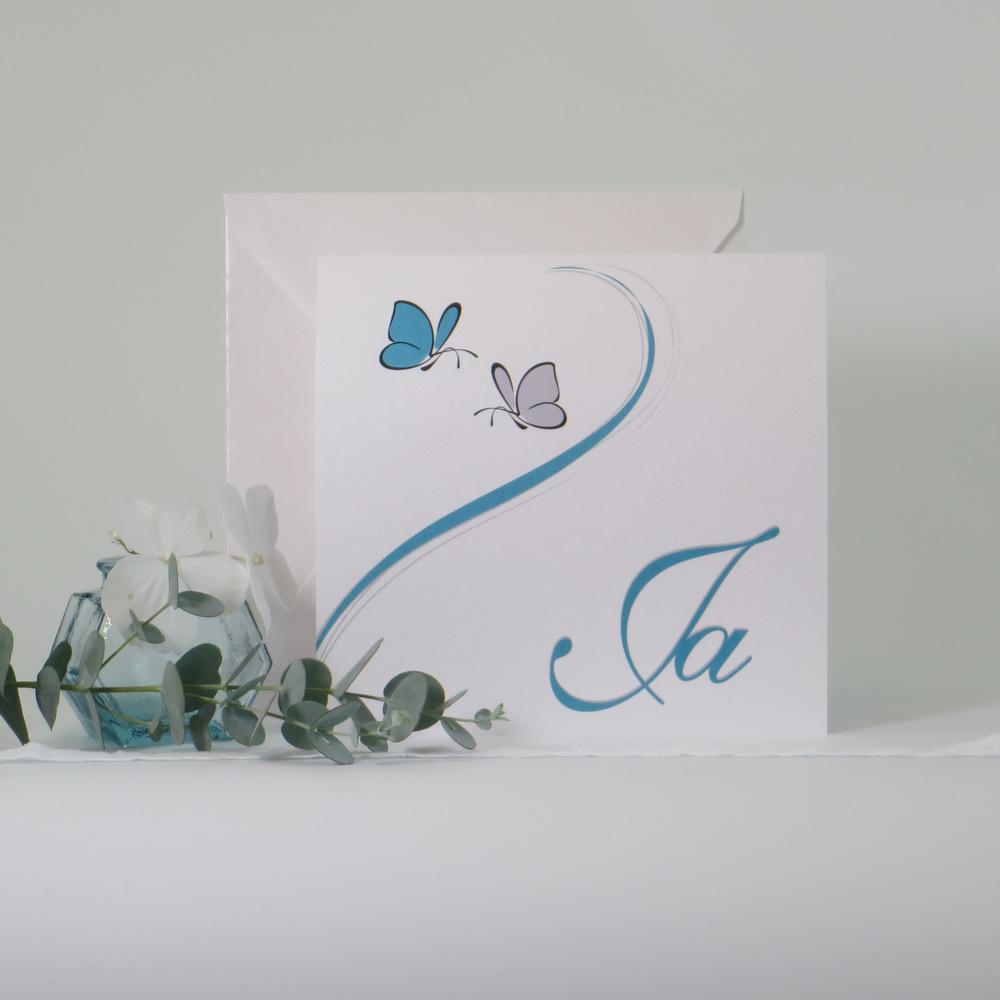 Zauberhafte Hochzeitseinladung mit 2 Schmetterlingen.