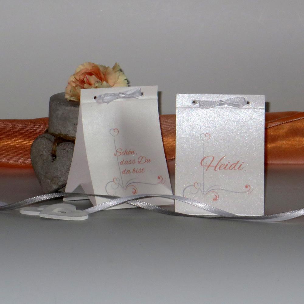 """Tischaufsteller """"Design in apricot"""""""