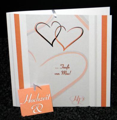 Einladungskarte in orange für eine Hochzeit mit Taufe.