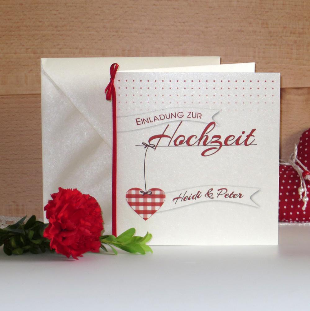 Wunderschöne Hochzeitseinladung mit einem romantischen Design.
