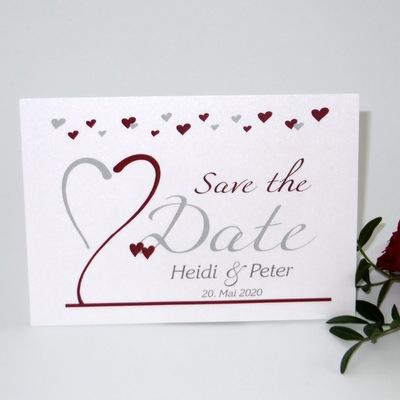 Geschmackvolle Save the Karte mit schickem Herzdesign