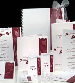 Schickes Hochzeitskartenset mit Blättern in rot sowie Schleifen und Bändern