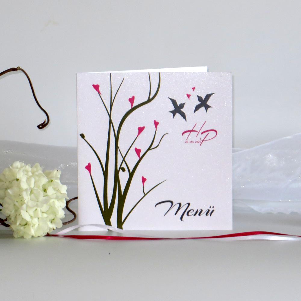 Eine romantisch gestaltete Hochzeitsmenükarte in aktuellen Hochzeitsfarben.