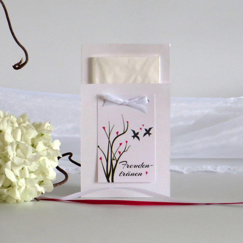 Tolle Verpackung für die Taschentücher für die Freudentränen bei der Hochzeit.