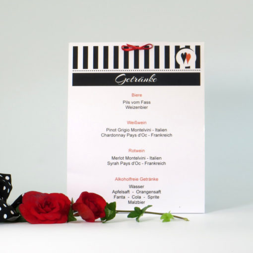 Hochzeitsgetränkekarte mit Streifen und Punkten in Schwarz und Weiß.