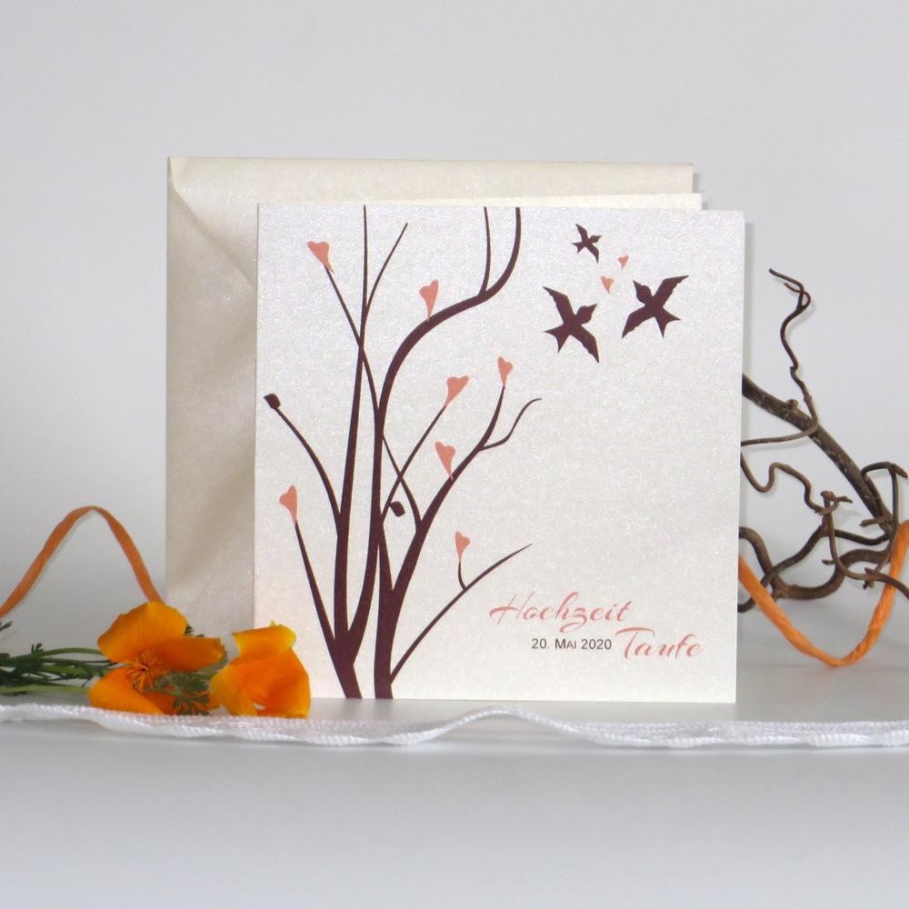 Einladungskarte zur Traufe in apricot und braun mit Vögeln und Ästen