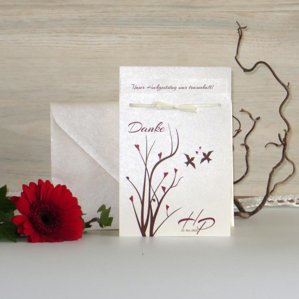 """Wunderschöne Dankeskarte, passend zum Rest des Designs """"Herzflattern"""" in bordeaux und braun"""