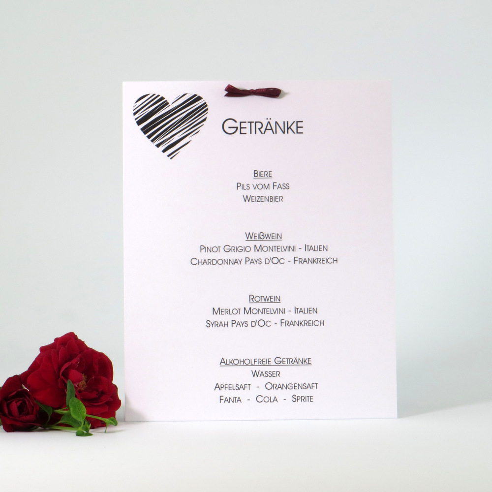 In edler Otik erstellte Getränkekarte für eine Hochzeitsfeier.