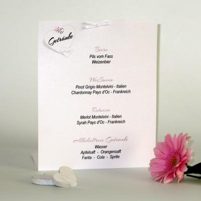 Getränkekarte mit Aufdruck und Details in der Hochzeitsfarbe rosa.