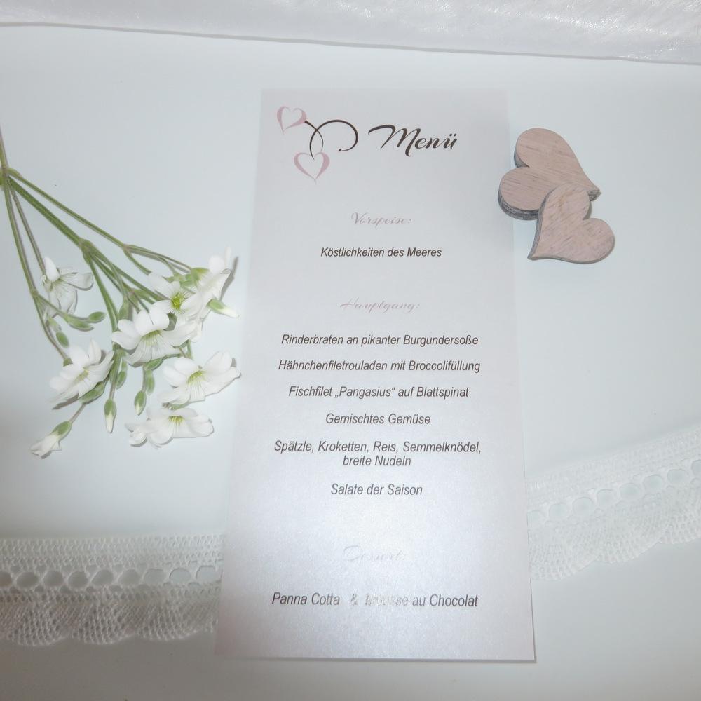Hochzeitsmenükarte mit harmonischen Tischkarten in braun und rosa.