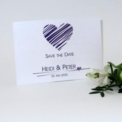 Save-the-Date Karte in lila - die perfekte Hochzeitsankündigung