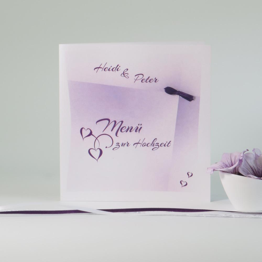 Großartige Menükarte in edlem lila für eine perfekte Hochzeitstafel