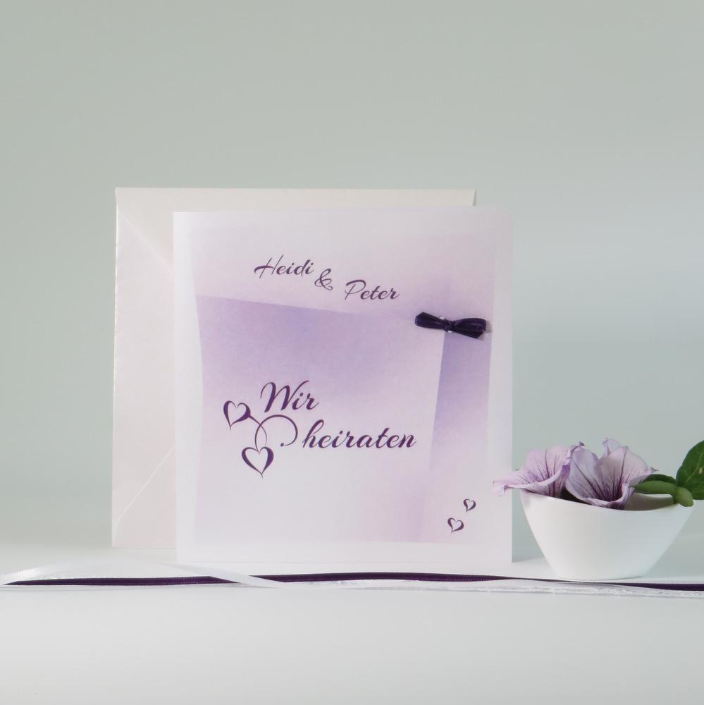 Hochzeitseinladung in trendigem lila mit tollen Details