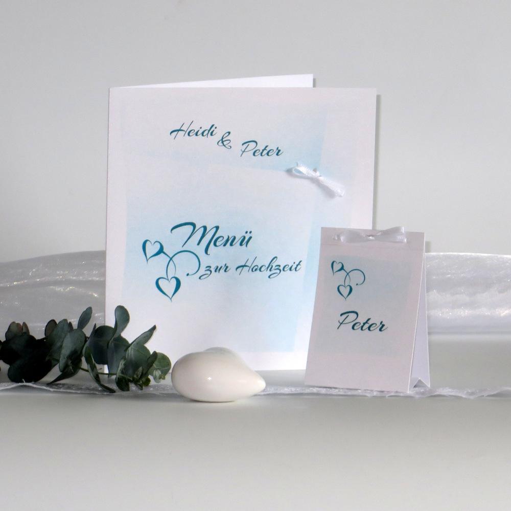 Menükarte in angesagtem türkis für eine zauberhafte Hochzeitstafel