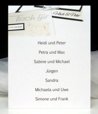 Tischkarte für mehrere Personen mit einem edlen Design in creme und braun.