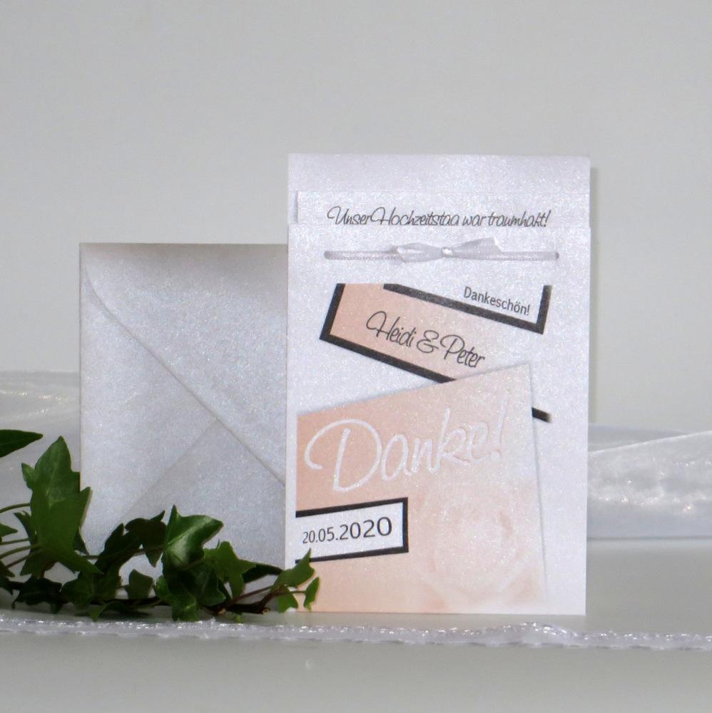 Hochzeitsdanksagung in apricot, die Platz für persönliche Worte bietet.