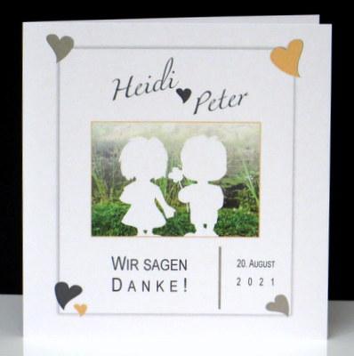 Ausgefallene Danksagungskarte mit Foto und Herzen in apricot.
