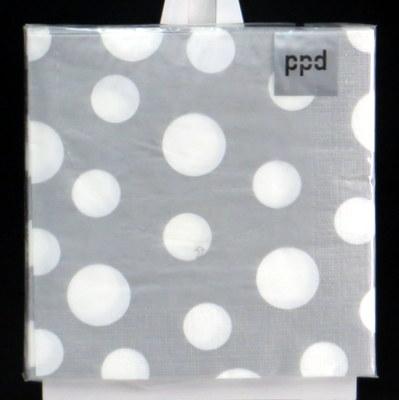 Silberne Servietten mit weißen Punkten