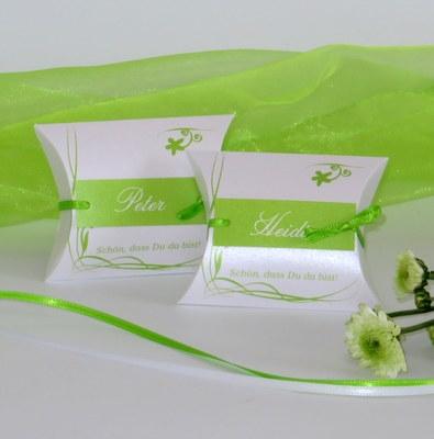 Freche Gastgeschenke in grün für eine Geburtstagsparty