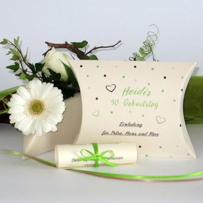 """Geburtstagseinladungsbox """"Dots"""" grün"""