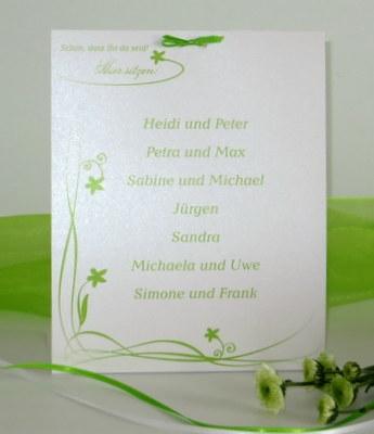Gruppentischkarte zum Geburtstag in frischem grün