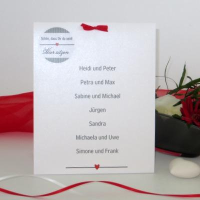 """Gruppentischkarte zur Hochzeit """"Stripes"""" rot & grau"""