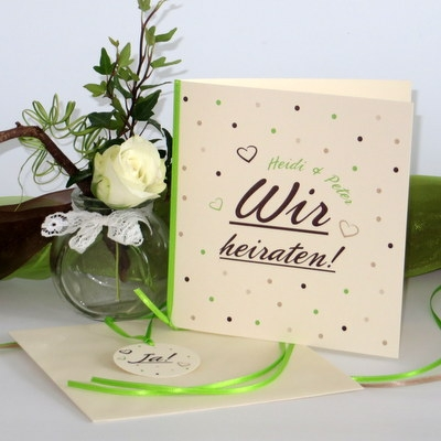 """Hochzeitseinladung """"Dots"""" grün"""