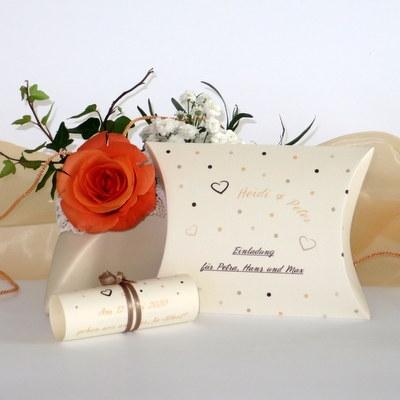 """Hochzeitseinladungsbox """"Dots"""" apricot"""