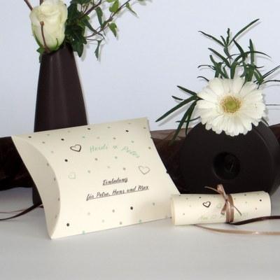 """Hochzeitseinladungsbox """"Dots"""" mint"""