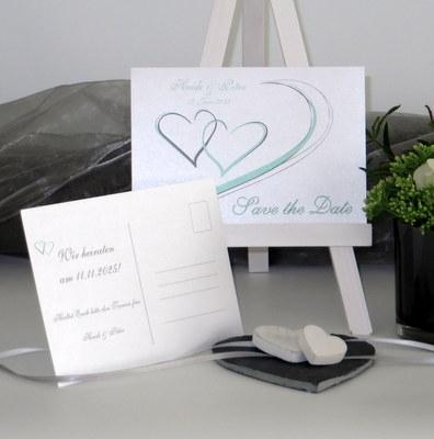 Save-the-Date-Karte mit Herzen in mint und grau