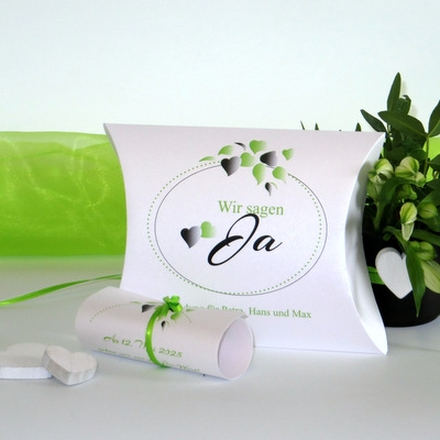 """Hochzeitseinladungsbox """"Herzblatt"""" grün"""