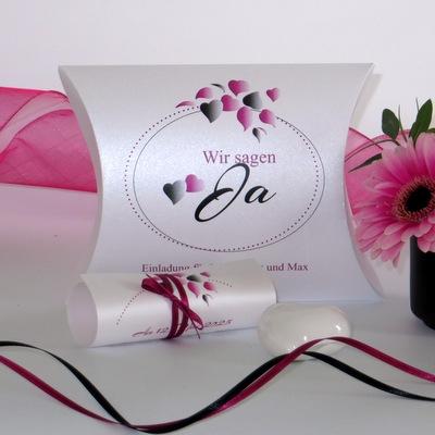 """Hochzeitseinladungsbox """"Herzblatt"""" pink & schwarz"""
