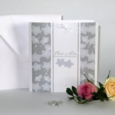 """Hochzeitseinladung """"Blütentraum"""" taupe"""