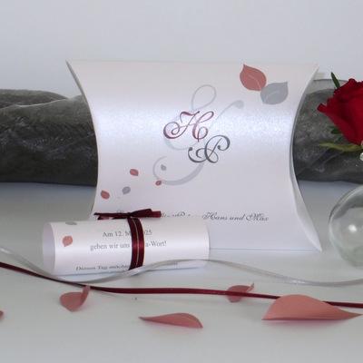 """Einladung zur Hochzeit als Kissenschachtel """"Blättertraum"""" rot"""
