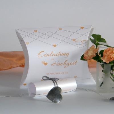 """Hochzeitseinladungsbox """"Farbherzen"""" apricot"""
