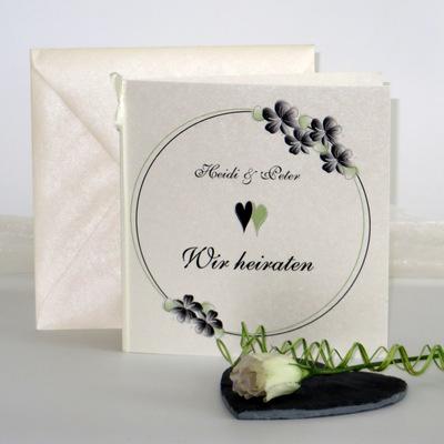 """Hochzeitseinladung """"Blumenkranz"""" schwarz"""