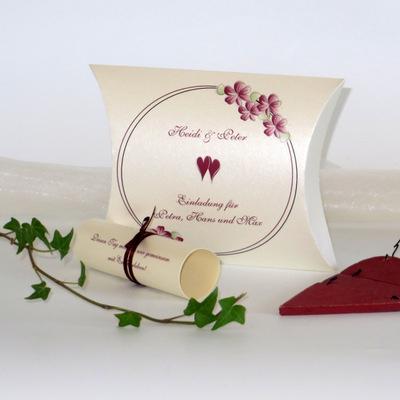 """Hochzeitseinladungsbox """"Blumenkranz"""" bordeaux"""