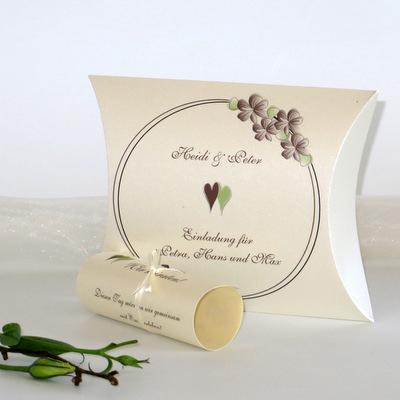 """Hochzeitseinladungsbox """"Blumenkranz"""" braun"""
