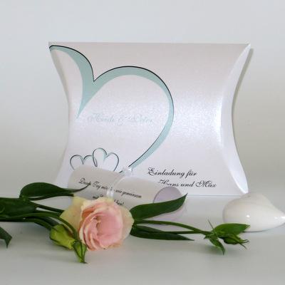 """Hochzeitseinladungsbox """"Herzschlag"""" mint"""