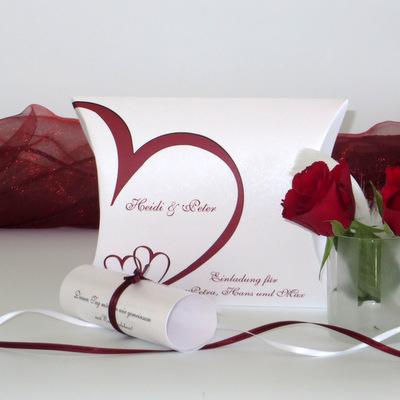 """Hochzeitseinladungsbox """"Herzschlag"""" rot"""