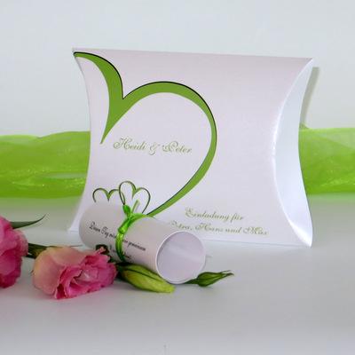 """Hochzeitseinladungsbox """"Herzschlag"""" grün"""