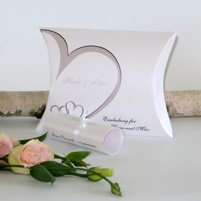 """Hochzeitseinladungsbox """"Herzschlag"""" taupe"""