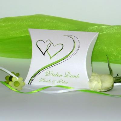Dankgeschenk für eine Hochzeit mit grünen Herzen