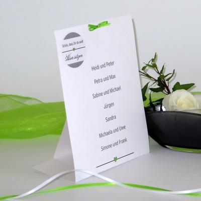 Besondere Tischkarte für mehrere Personen mit einem modernen Design in grün und grau.